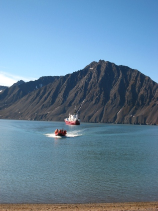 A zodiac departing a research vessel in Engelsbukta on Svalbard. Photo by Marie L. Davey.